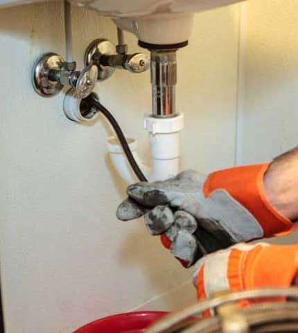 Plumbers Who Can Clear Out Your Drains